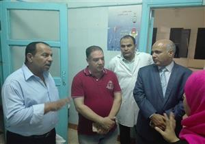 النقل والتحقيق لـ3 أطباء بعد جولة مفاجئة لوكيل وزارة الصحة في بني سويف