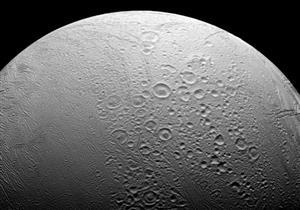 العثور على مواقع مناسبة للحياة البشرية فوق القمر والمريخ