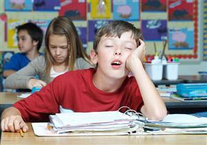 مخاطر إلحاق الطفل بالدراسة مبكراً.. منها أضرار عقلية ونفسية