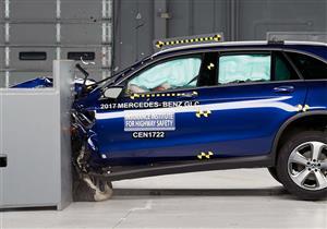 """معهد """"IIHS"""" يمنح مرسيدس GLC لقب السيارة الأكثر أمانًا في 2017"""