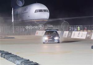 "بالفيديو - رامي سري يشعل سباق ""Battle Of The Wheels"" بمطار العلمين"