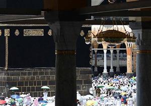 بالصور: جموع المصلين بالحرمين الشريفين يؤدون صلاة الجمعة