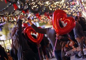 بالصور- احتفالات المصريين برأس السنة في التجمع الخامس