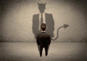 أيهما أخطر على الإنسان: النفس أم الشيطان؟