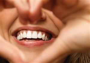 «القشور الخزفية» تمنحك أسنان ساحرة تدوم سنوات.. بشروط