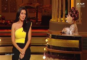 """رانيا يوسف: كنت بمشي بـ""""شورت"""" ولم أتعرض للمعاكسات - فيديو"""