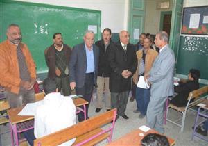 بالصور.. محافظ المنيا يتفقد لجان امتحانات الإعدادية