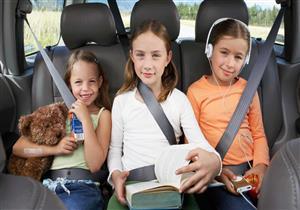 كيف تحظين برحلة هادئة أثناء سفرك مع أطفالك؟