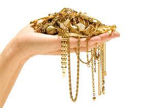 هل الذهب الذي تركته الأم لبناتها يقسم عليهن دون سائر الورثة؟