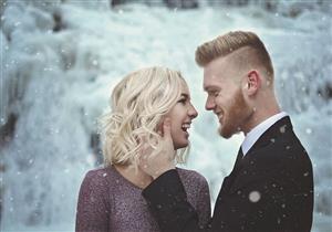 """بالصور- خطيبان يتحدان البرد القارص لالتقاط """"فوتوسيشن"""" الزفاف"""
