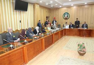 بالصور- بعد ضبط محافظ المنوفية.. السكرتير العام يعقد لقاء المواطنين الأسبوعي