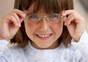 احذر ارتداء الطفل لنظارتك