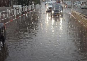الهيئة الألمانية تنصح بزيادة مسافة الأمان 3 مرات أثناء القيادة في الأمطار
