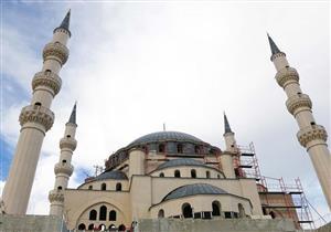 بالصور .. مع نهاية 2018 الانتهاء من أكبر مسجد في منطقة البلقان بتكلفة 30 مليون يورو