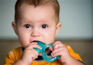 نصائح لحماية أسنان طفلك في «مرحلة التسنين»