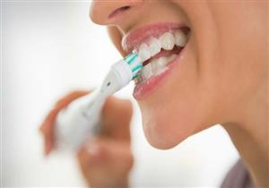 لا تشطف أسنانك بعد التنظيف بالفرشاة.. إليك السبب