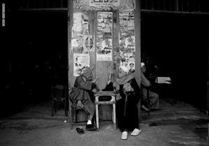 من مقهى ومولد وجزيرة.. هكذا التقط مصور بساطة الحياة المصرية