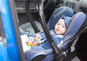 ما الطريقة الصحيحة لتركيب مقعد الطفل بالسيارة؟