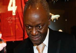 """والد نجم كرة القدم """"فينسنت كومباني"""" أول رئيس بلدية أسود في بلجيكا"""