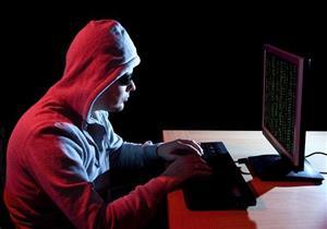 """ضبط """"هاكر"""" يسرق صفحات الفتيات على """"فيس بوك"""" في الشرقية"""