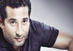 """بالصور  بعد """"الجونة"""".. عمرو سعد بـ""""نيولوك"""" جديد ومتابعون يسخرون"""