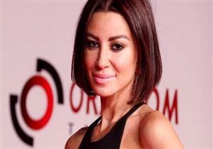 """بالصور-أروى جودة بـ""""الخنافس"""" في حفل تسليم جوائز القاهرة للتصميم"""