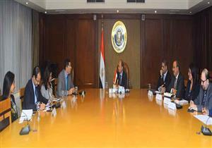 وزير الصناعة يبحث مع ممثلي شركة نستله مشروعاتها  المستقبلية بمصر