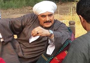 """مجدي كامل ينتقل لديكور شقة القاهرة في """"البيت الكبير""""- صور"""