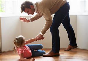بعد واقعة تلميذة المنيا.. إليك التأثيرات النفسية لضرب الأطفال