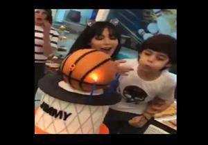 بالفيديو.. المطربة قمر تحتفل بعيد ميلاد ابنها