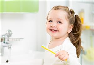 متغيرات طبيعية تصاحب تبديل الأسنان اللبنية بالدائمة.. بينها السن الكبير