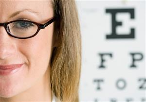 هل عدم تغيير النظارة يسبب ضعفًا في النظر؟