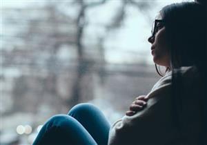 أسباب اكتئاب تغير الفصول وطرق التعامل معه.. (فيديو)
