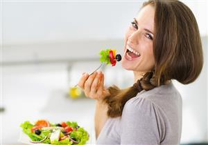 أغذية تناوليها وأخرى تجنبيها.. علاقة النظام الغذائي بسرطان الثدي
