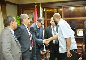 بالصور- محافظ كفرالشيخ يستقبل وزير القوى العاملة