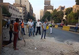 """""""راشد"""" يوجه بسرعة إصلاح ماسورة مياه شارع الجيزة (صور)"""