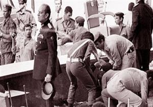 """""""90 دقيقة"""" يعرض صورًا جديدة للمتهمين بقتل أنور السادات قبل إعدامهم"""