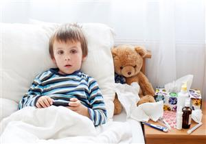 تغير لون بول الطفل يشير لأمراض الكلى في هذه الحالة.. فحوصات ضرورية