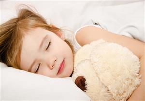 ما علاقة ما يأكله طفلك بحصوله على نوم جيد؟