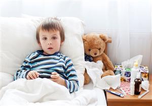 أعراض تنذر بالتسمم لدى طفلك بسبب مواد التنظيف
