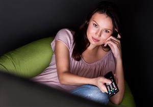 منها تحسين مزاجك..5 فوائد صحية للتليفزيون