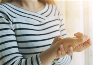 أسباب متعددة لآلام مفصل الرسغ.. إهمال العلاج يسبب هذه المضاعفات