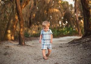تقوس الساقين عند الأطفال.. هل يشفى تلقائيا؟