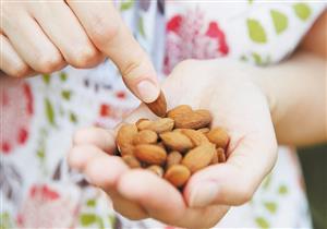منها فقدان الوزن.. 7 فوائد صحية في حبة اللوز