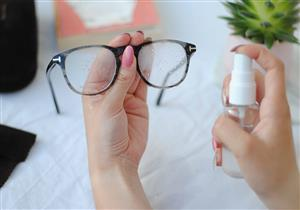 لرؤية أفضل.. خطوات لتنظيف نظارتك بأمان