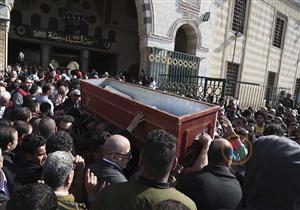 بالصور- غياب كبير لنجوم الفن عن جنازة أحمد السيد