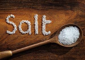 لتجنبك أضراره.. 5 خطوات بسيطة لتقليل الملح في طعامك