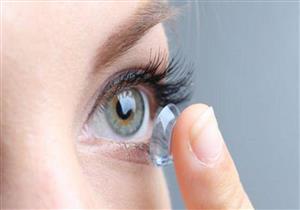 بالصور| طبيب أمريكي يحذر: النوم بالعدسات اللاصقة يصيبك بالعمى