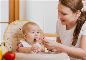 أطعمة ومشروبات ممنوعة على الطفل قبل إتمام عامه الأول
