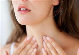 10 علامات تنذرك بأمراض الغدة الدرقية.. تعرف عليها